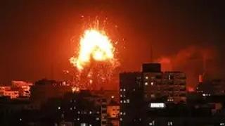 جنگنده های صهیونیستی ساختمان شبکه ماهوارهای الاقصی در غرب شهر غزه را با خاک یکسان کردند.