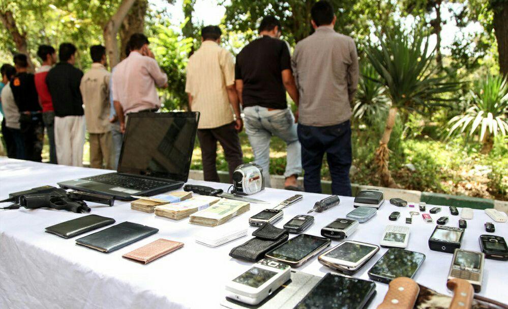 انهدام باند زورگیری های تلفن همراه در زابل