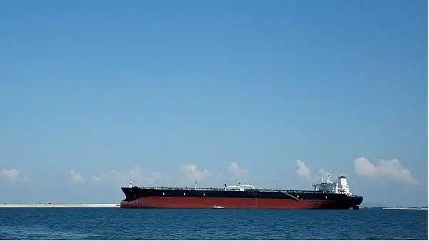 سپاه پاسداران انقلاب اسلامی یک کشتی نفتکش «خارجی» حامل یک میلیون لیتر سوخت قاچاق را توقیف کرد