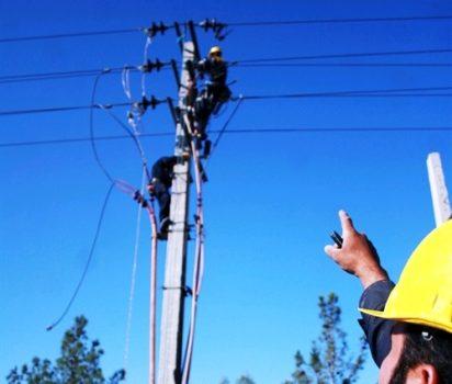 قطعی دو ساعته برق شهرستان هیرمند جهت اصلاح و بهینه سازی خطوط توزیع برق