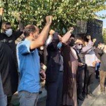 اجتماع مردم انقلابی شهرستان زابل در محکومیت توهین روزنامه فرانسوی به ساحت مقدس نبی مکرم اسلام (ص) برگزار شد