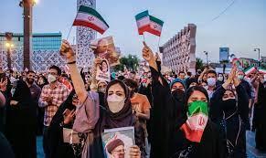 (تصاویر) جشن پیروزی رئیسی در میدان امام حسین